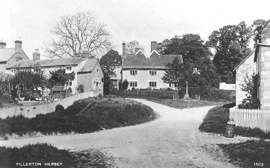 Part of Pillerton Hersey village showing cottages and war memorial.  1920s |  IMAGE LOCATION: (Warwickshire County Record Office)