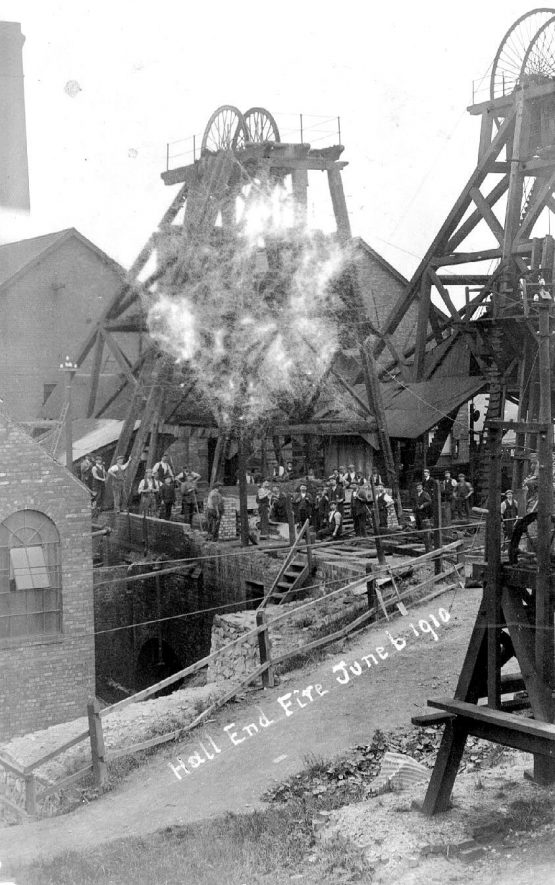 Fire at Hall End on June 6th 1910 |  IMAGE LOCATION: (Warwickshire County Record Office)