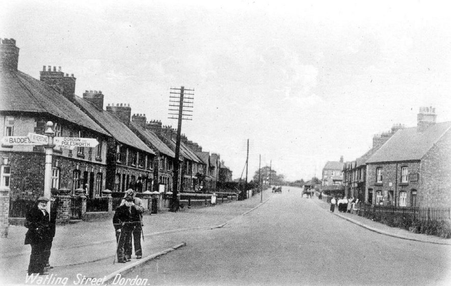 Watling Street in Dordon.  1910s |  IMAGE LOCATION: (Warwickshire County Record Office)
