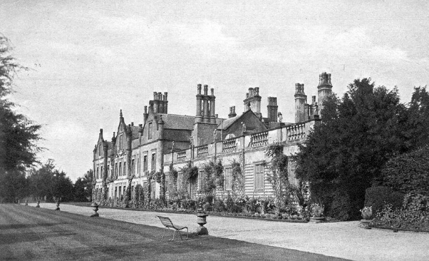 Grendon Hall and gardens, Grendon Park.  1910s    IMAGE LOCATION: (Warwickshire County Record Office)