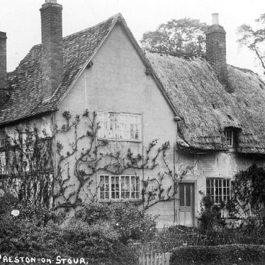 Preston on Stour.  Old cottage