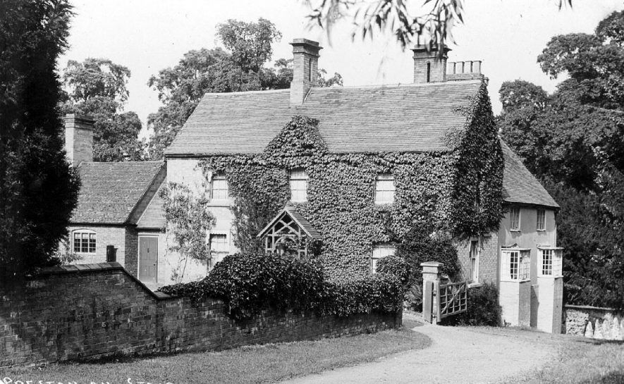 View of residences in Preston on Stour.  1900s |  IMAGE LOCATION: (Warwickshire County Record Office)