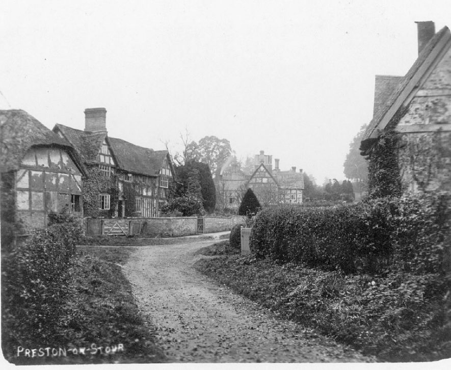 Timber framed dwellings in Preston on Stour.  1900s |  IMAGE LOCATION: (Warwickshire County Record Office)