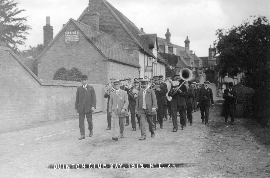 Lower Quinton Club Day procession.  1912 |  IMAGE LOCATION: (Warwickshire County Record Office)