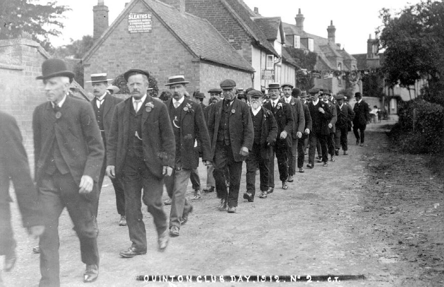 Lower Quinton Club Day procession.  1912    IMAGE LOCATION: (Warwickshire County Record Office)