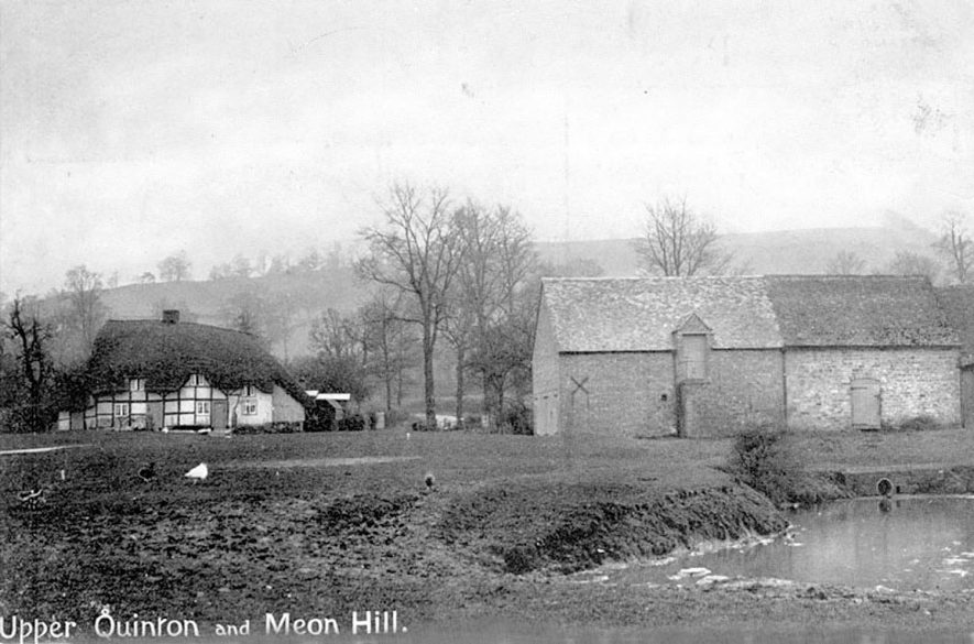 A farmhouse and barns in Upper Quinton with The Meon Hill in the background.  c.1910 |  IMAGE LOCATION: (Warwickshire County Record Office) IMAGE DATE: (c.1910)