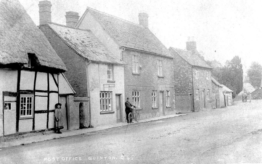 The Post Office, Lower Quinton and neighbouring cottages.  1905 |  IMAGE LOCATION: (Warwickshire County Record Office)