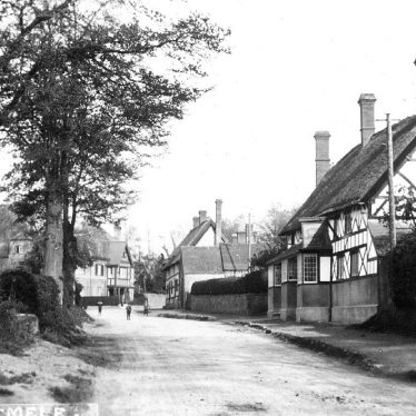 Radford Semele.  White Lion Inn and Southam Road