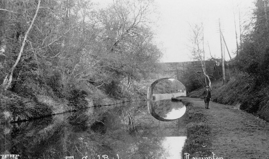 View of the Grand Union canal at Rowington.  1900s |  IMAGE LOCATION: (Warwickshire County Record Office)