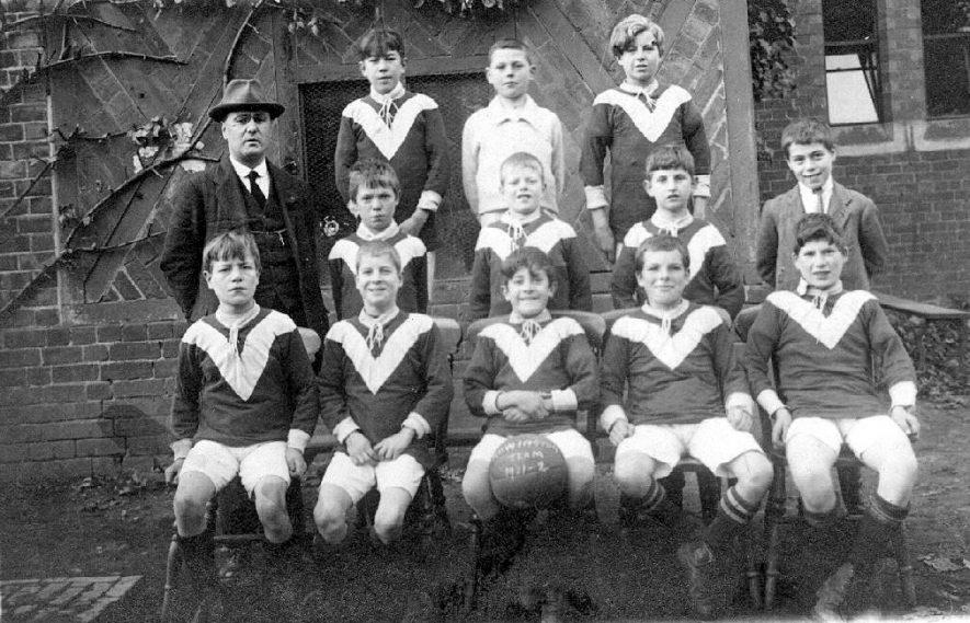 Rowington School Football Team.  1921-2 |  IMAGE LOCATION: (Warwickshire County Record Office)