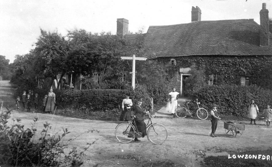 A village scene, Lowsonford.  1900s |  IMAGE LOCATION: (Warwickshire County Record Office)