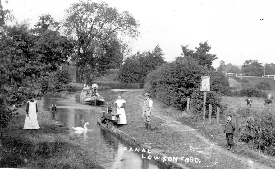 The Stratford on Avon Canal at Lowsonford.  1900s    IMAGE LOCATION: (Warwickshire County Record Office)