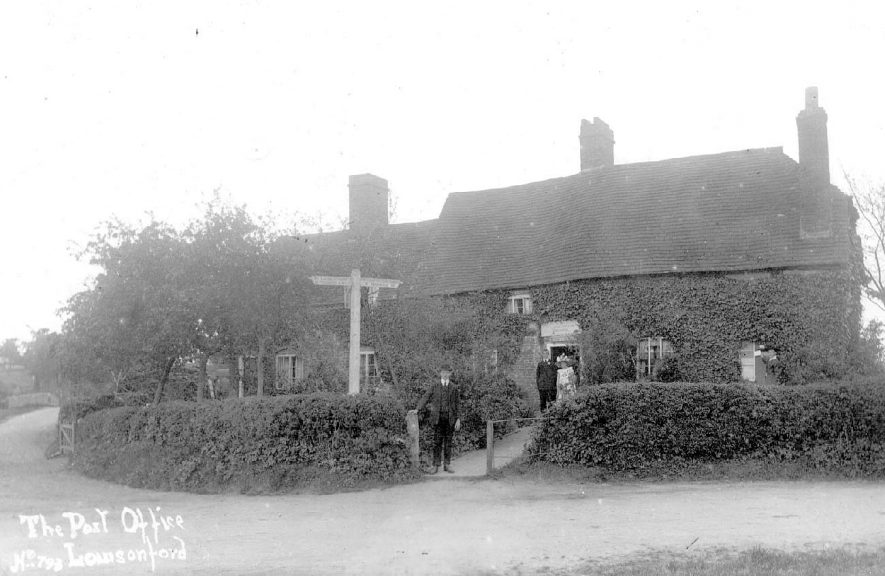 The Post Office at Lowsonford.  1910s |  IMAGE LOCATION: (Warwickshire County Record Office)