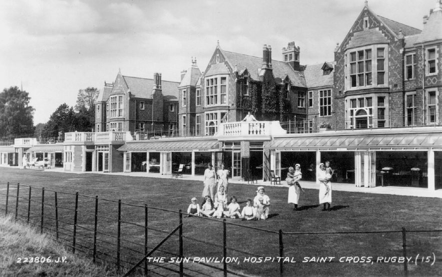 The Sun Pavilion, Saint Cross Hospital, Rugby.  1930s |  IMAGE LOCATION: (Warwickshire County Record Office)