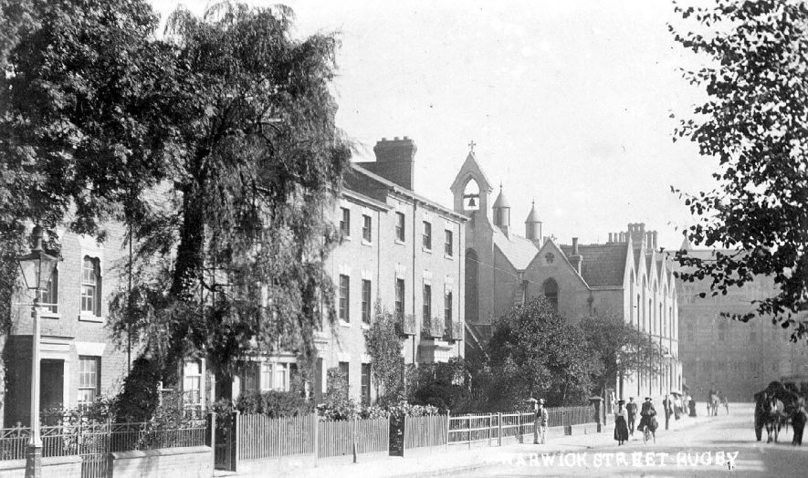 Warwick Street(now Russelsheim Way) Rugby. Showing terraced housing and pedestrians. 1910s [This is in fact still Warwick Street. Russelheim Way is on the other side of the gyratory system where the Central Methodist Church is] |  IMAGE LOCATION: (Warwickshire County Record Office)
