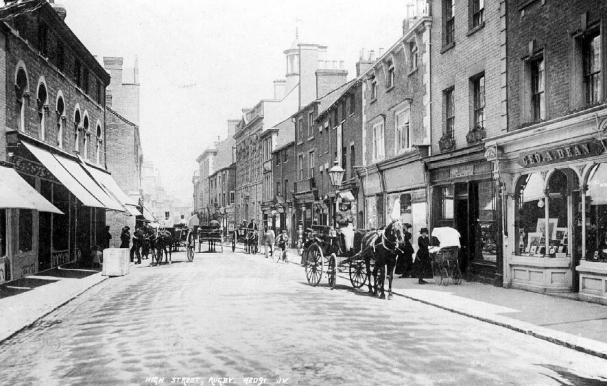 View of the High Street in Rugby early in the century.  1900s |  IMAGE LOCATION: (Warwickshire County Record Office)
