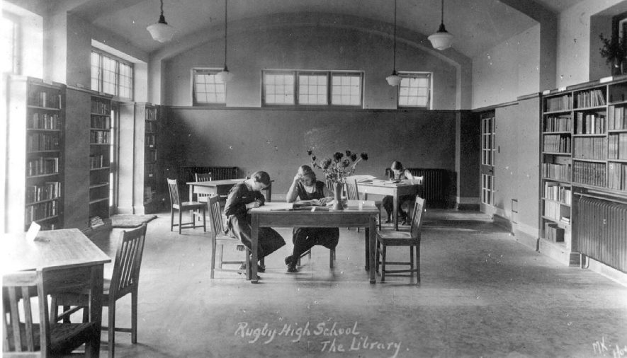 The Library of Rugby [ Girls' ] High School.  1930s    IMAGE LOCATION: (Warwickshire County Record Office)