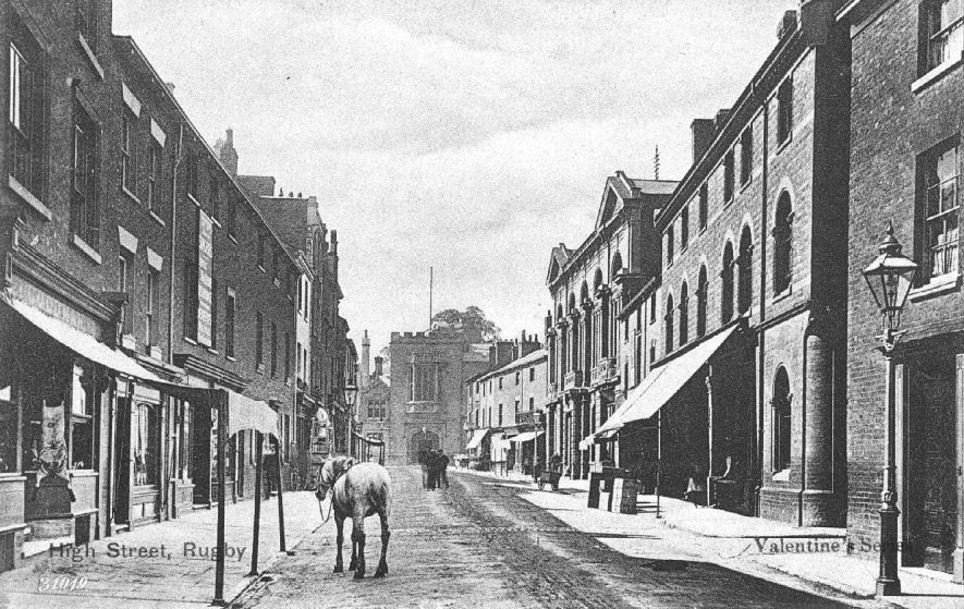 Rugby High Street.  1900s |  IMAGE LOCATION: (Warwickshire County Record Office)