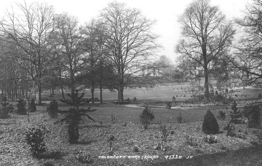 Caldecott Park, Rugby.  1900s |  IMAGE LOCATION: (Warwickshire County Record Office)