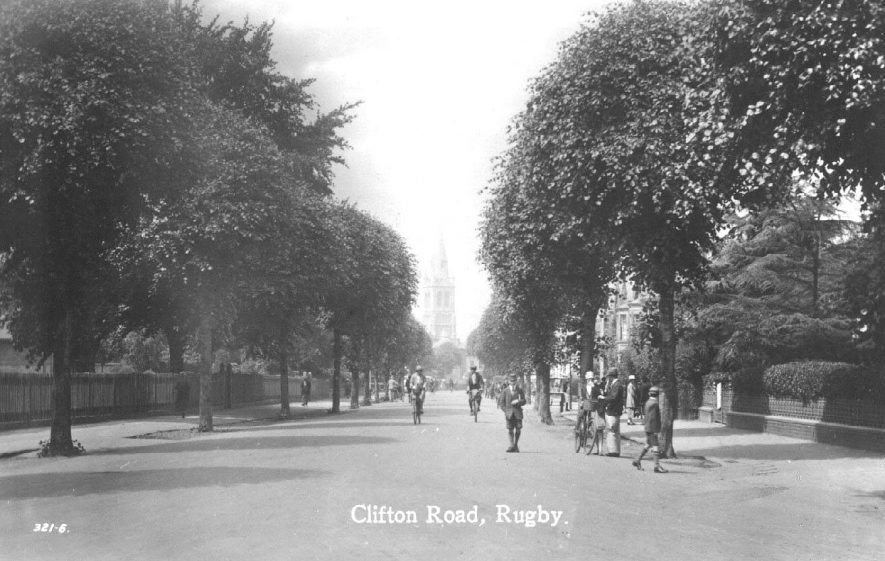 Clifton Road, Rugby.  1930s |  IMAGE LOCATION: (Warwickshire County Record Office)