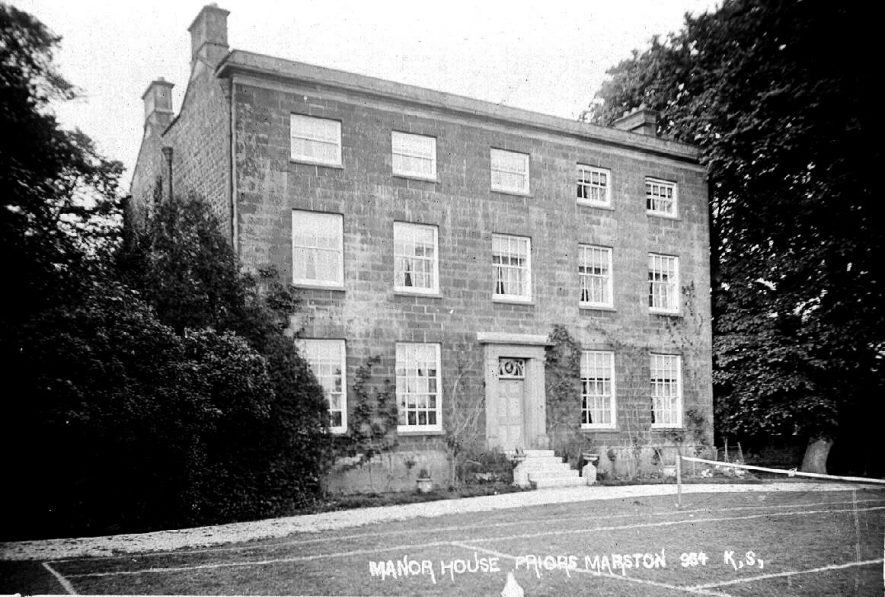 'Manor House', showing tennis court, Priors Marston.  1910s |  IMAGE LOCATION: (Warwickshire County Record Office)