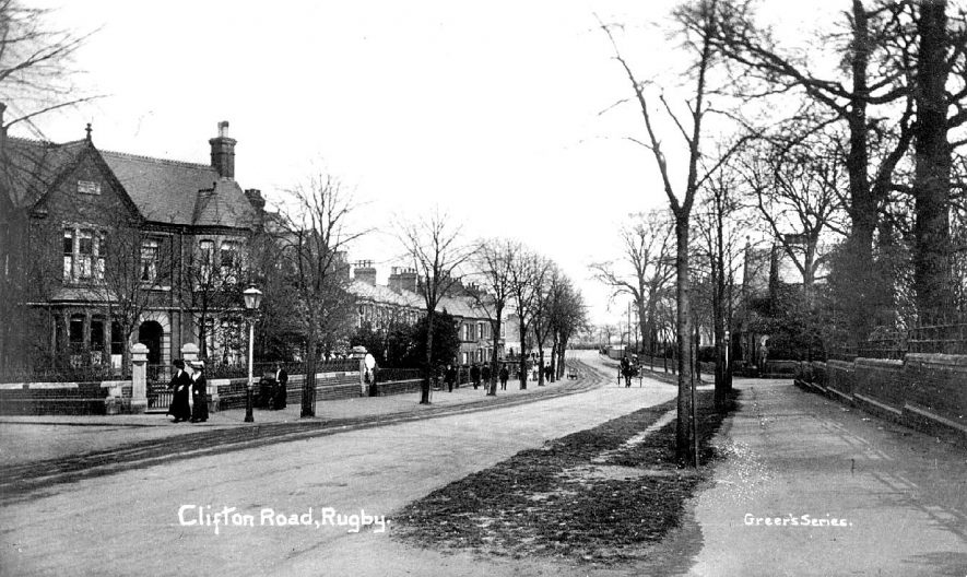 Clifton Road, Rugby. Large semi-detached houses, pedestrians and one horse and trap.  1910s |  IMAGE LOCATION: (Warwickshire County Record Office)