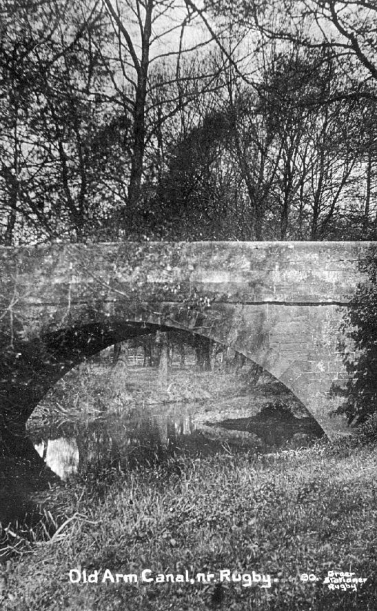 Bridge over the old Rugby arm of the Oxford Canal.  1910    IMAGE LOCATION: (Warwickshire County Record Office)