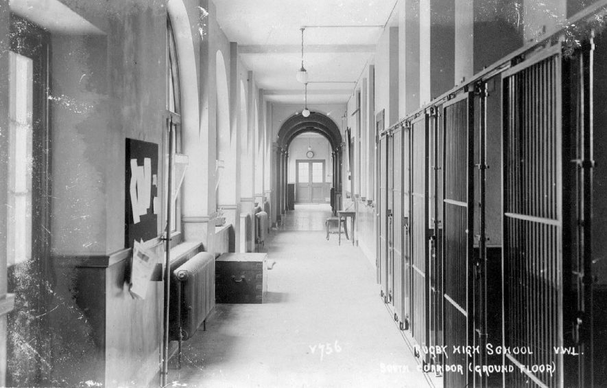 Interior of part of Girls' High School, Clifton Road, Rugby.  1930s |  IMAGE LOCATION: (Warwickshire County Record Office)