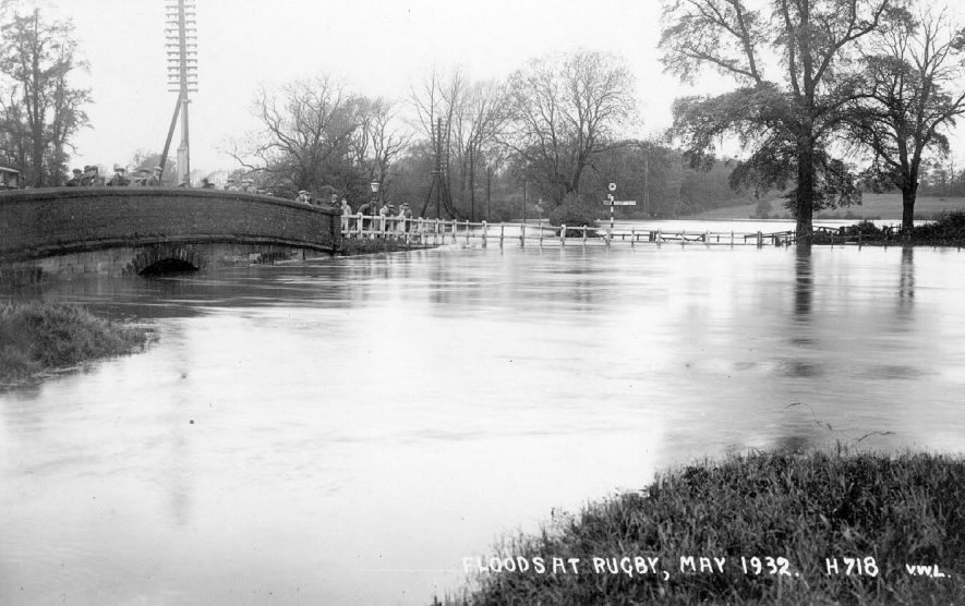 Flooding at the junction of the A426 and the B4112 on the outskirts of Rugby.  May 1932 |  IMAGE LOCATION: (Warwickshire County Record Office)