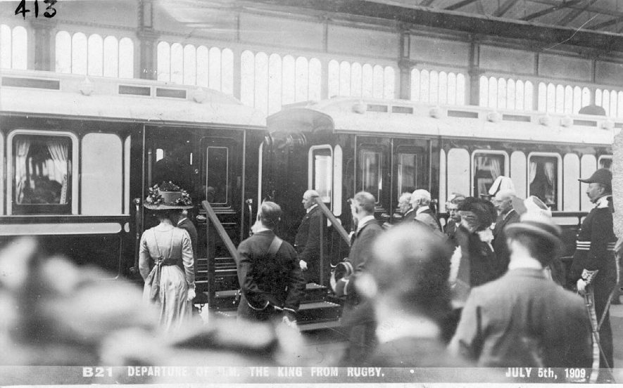 H.M. King Edward VII departing from Rugby Station on July 5th 1909. |  IMAGE LOCATION: (Warwickshire County Record Office)