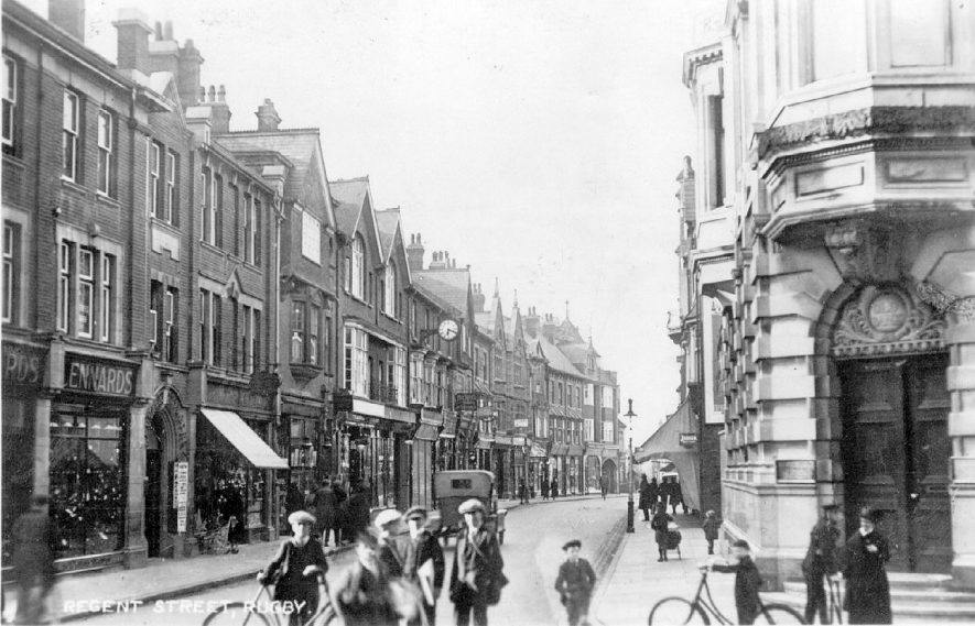 Street scene, Regent St, Rugby, postmarked 1932. |  IMAGE LOCATION: (Warwickshire County Record Office)