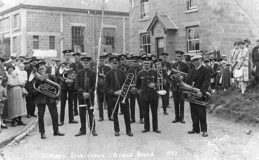 Bishop's Itchington Brass Band.  1927 |  IMAGE LOCATION: (Warwickshire County Record Office)