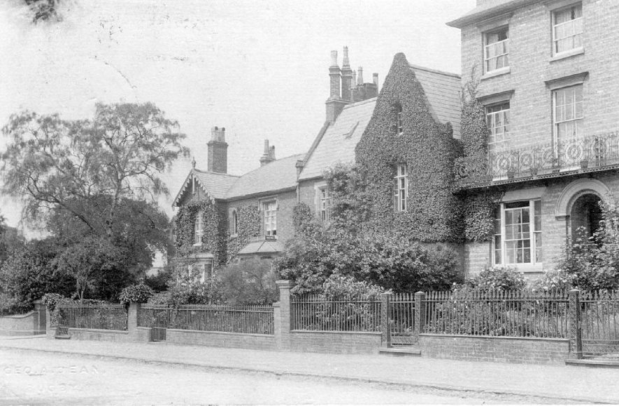 Houses in Hillmorton Road, Rugby.  1910s