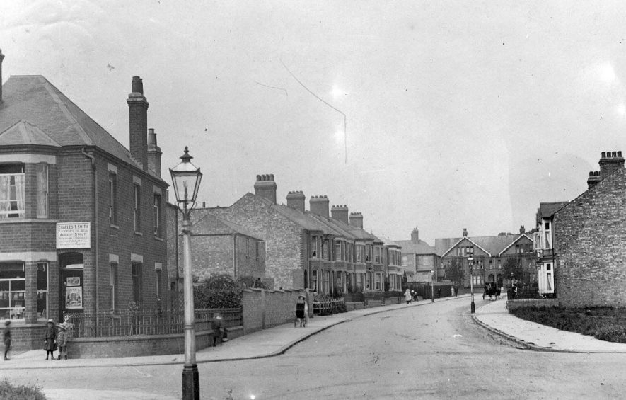 Benn Street/Cromwell Road, Rugby.  1910s |  IMAGE LOCATION: (Warwickshire County Record Office)