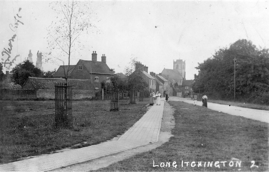 Looking west along Church Road up to the Church from Village Green.  1910s |  IMAGE LOCATION: (Warwickshire County Record Office)