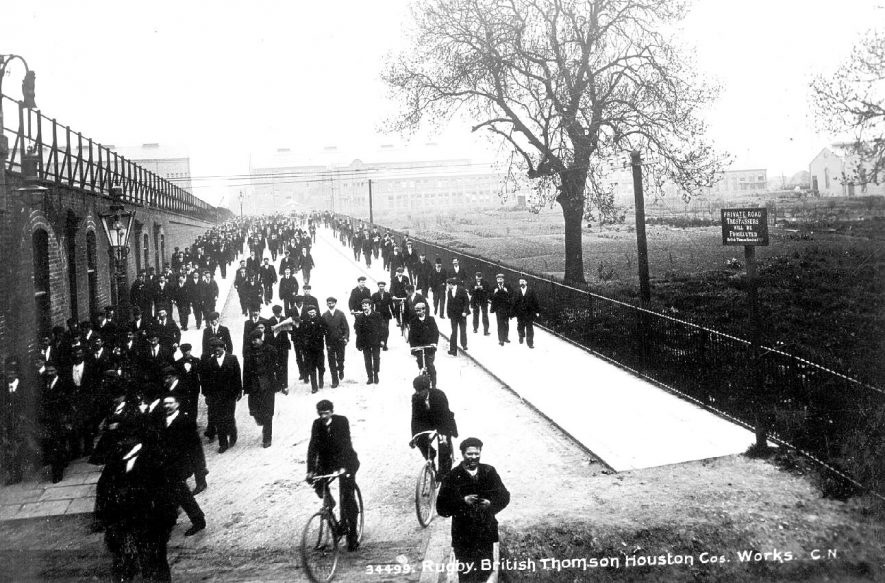 Workers leaving B.T.H. electrical engineering works, Rugby.  1910s |  IMAGE LOCATION: (Warwickshire County Record Office)
