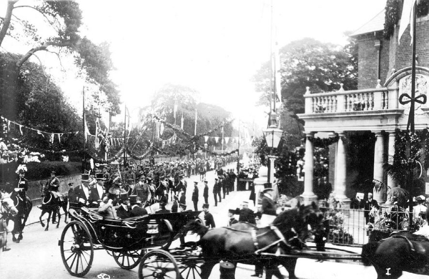 H.M. King Edward VII in his horse drawn carriage in Rugby.  July 1909 |  IMAGE LOCATION: (Warwickshire County Record Office) PEOPLE IN PHOTO: Edward VII