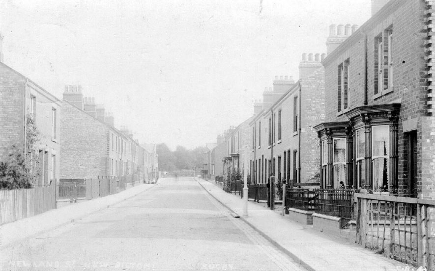 New Street in New Bilton, Rugby.  1900s |  IMAGE LOCATION: (Warwickshire County Record Office)
