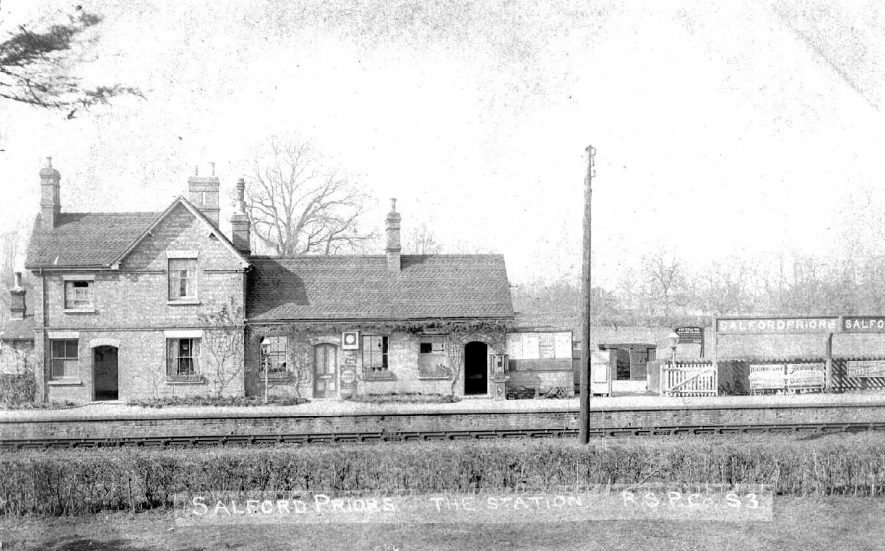 Salford Priors Railway Station.  1900s |  IMAGE LOCATION: (Warwickshire County Record Office)