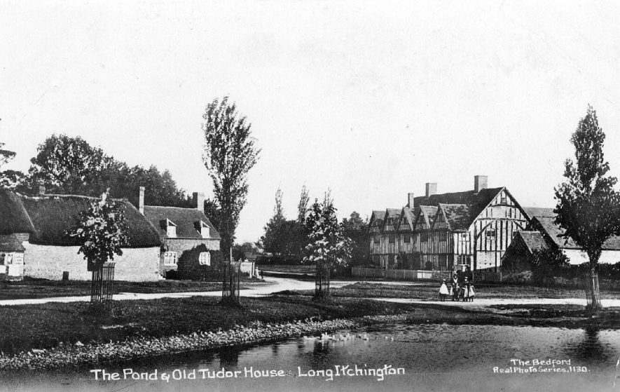 The Pond and Old Tudor House, Long Itchington.  1910s |  IMAGE LOCATION: (Warwickshire County Record Office)