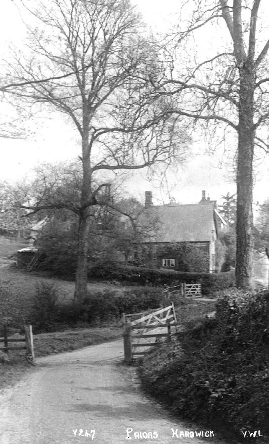 View of a country lane, Priors Hardwick.  1920s |  IMAGE LOCATION: (Warwickshire County Record Office)