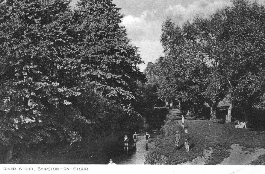 The river Stour at Shipston on Stour.  1920s |  IMAGE LOCATION: (Warwickshire County Record Office)
