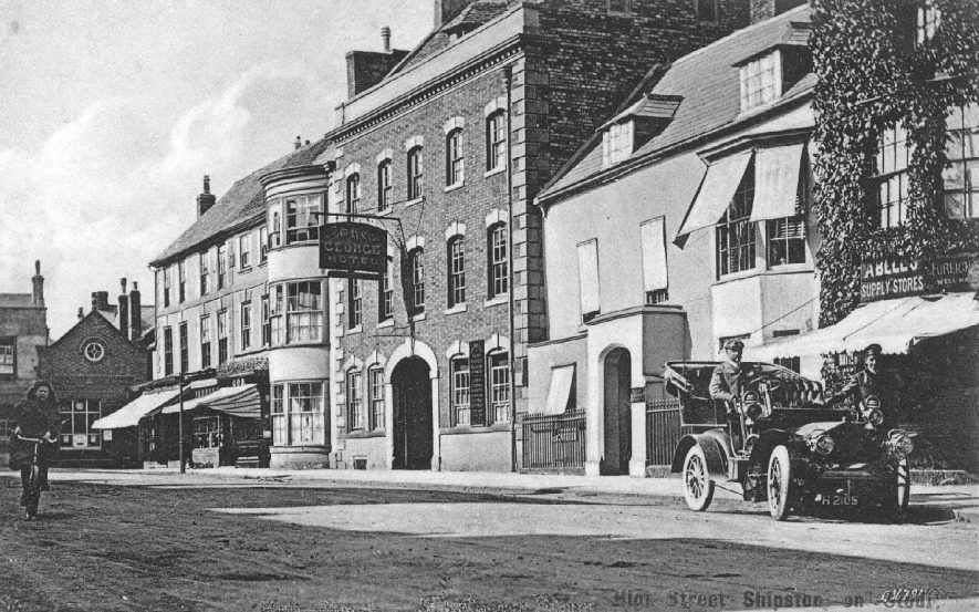 High Street, Shipston on Stour.  1910s |  IMAGE LOCATION: (Warwickshire County Record Office)