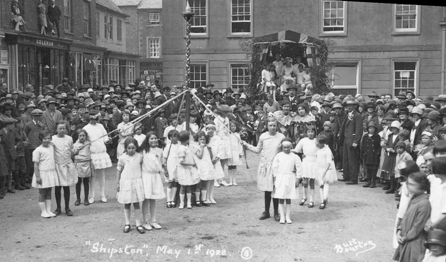 Children at a maypole on May Day, Shipston on Stour.  1928 |  IMAGE LOCATION: (Warwickshire County Record Office)