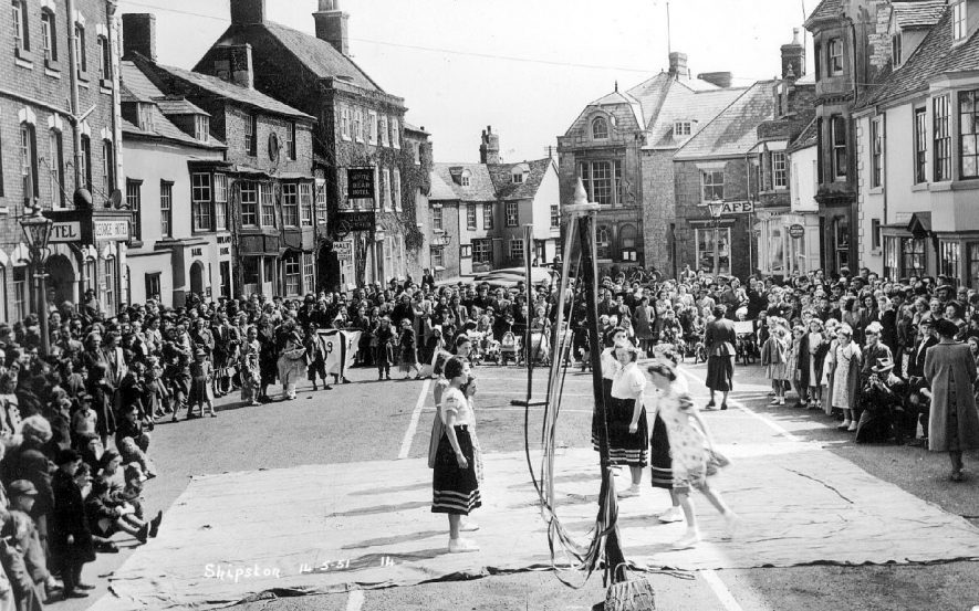 Maypole dancing in the centre of Shipston on Stour.  May 14th 1951    IMAGE LOCATION: (Warwickshire County Record Office)