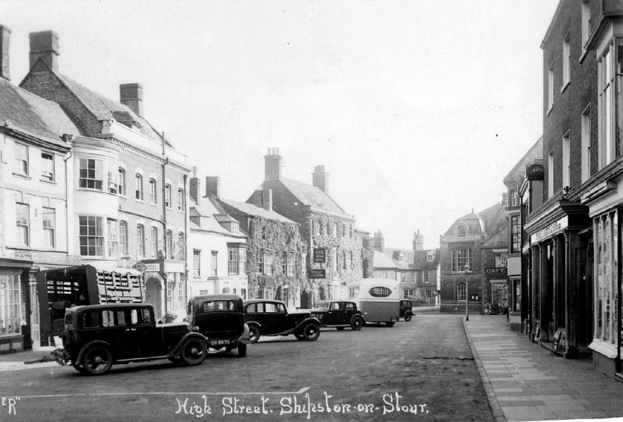 High Street with parked cars, Shipston on Stour.  1930s |  IMAGE LOCATION: (Warwickshire County Record Office)