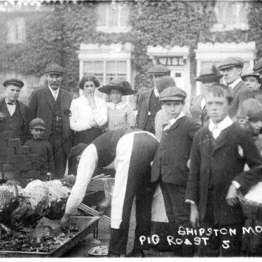 Shipston on Stour.  Mop pig roast