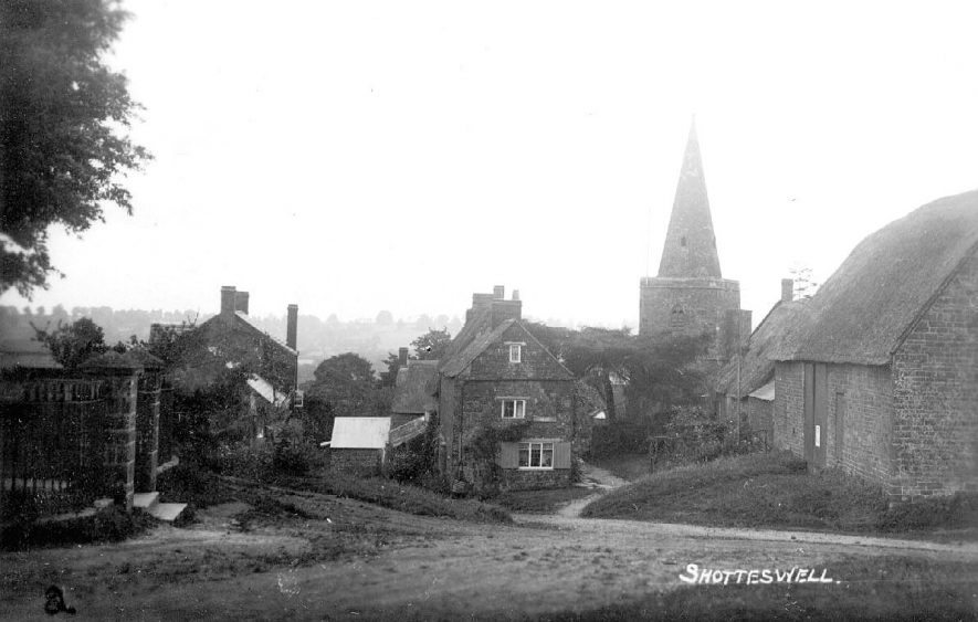 View of Shotteswell village showing parish church.  1910s    IMAGE LOCATION: (Warwickshire County Record Office)