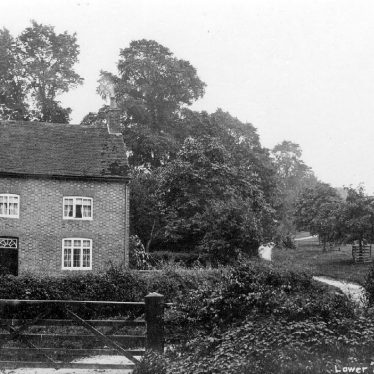 Shuckburgh, Lower.  Thick Thorn House
