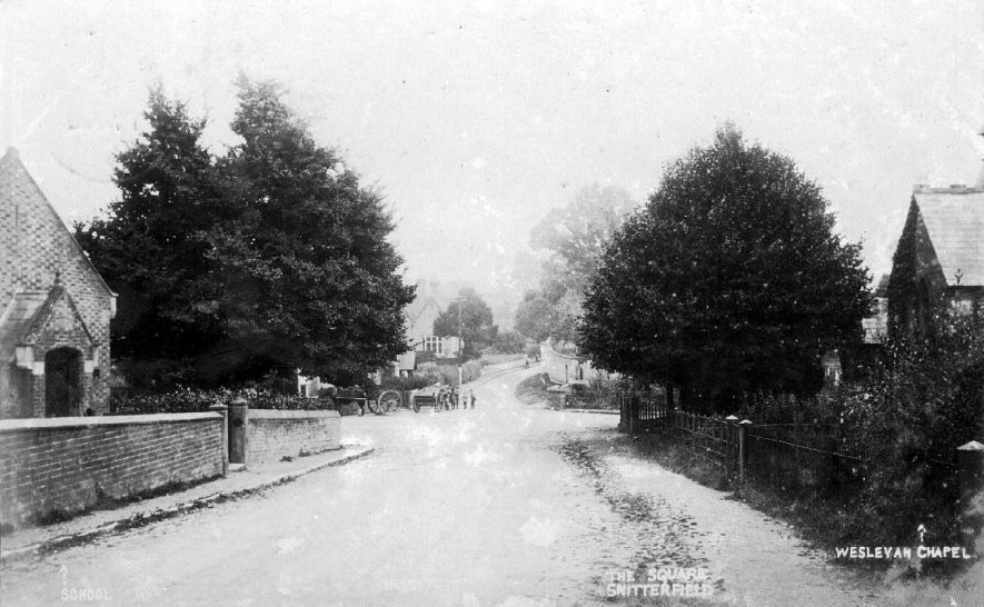 The Square, Snitterfield.  1910s |  IMAGE LOCATION: (Warwickshire County Record Office)